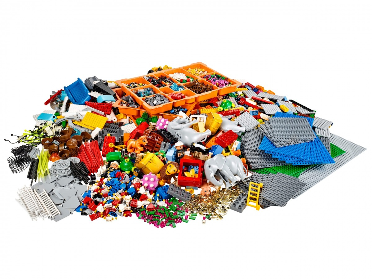 kit identidad y paisajes de lego 2000430 serious play scaled