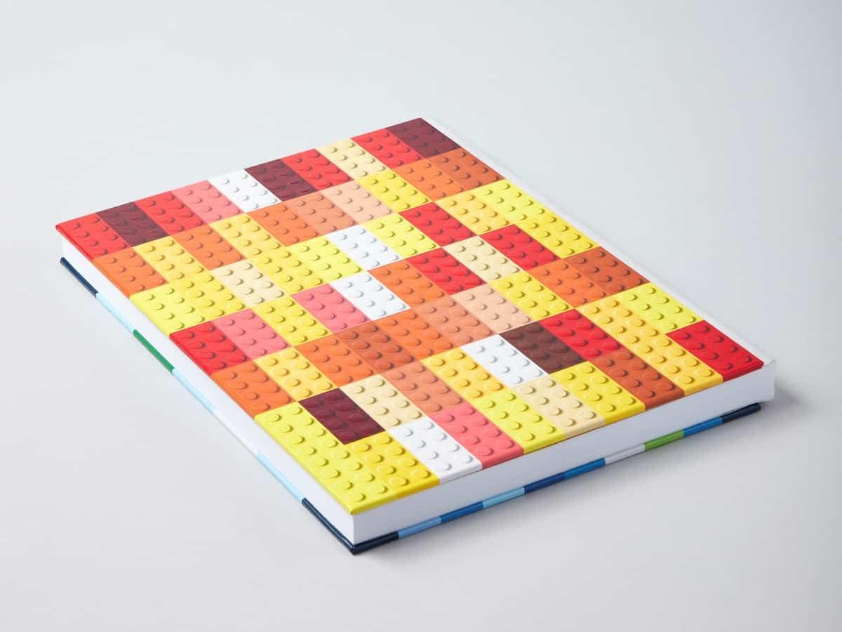 cuaderno ilustrado con ladrillos lego 5006205